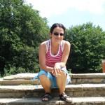 Сестра ми Яница Радева се радва на чистото слънце.