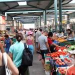 Класически пъстър български пазар