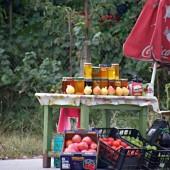 През тази сутрин никой не си купи мед, плодове или зеленчуци