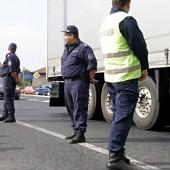Жители и полицаи в организирани маневри успяха да пропуснат и тях