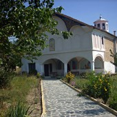 Реставрирана църква