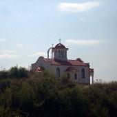 Чисто нова църква точно над фермата